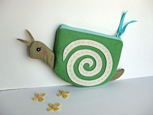 Snailpouchgreen2